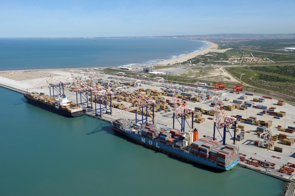 Cranes in the Port of Ngqura © http://ports.co.za